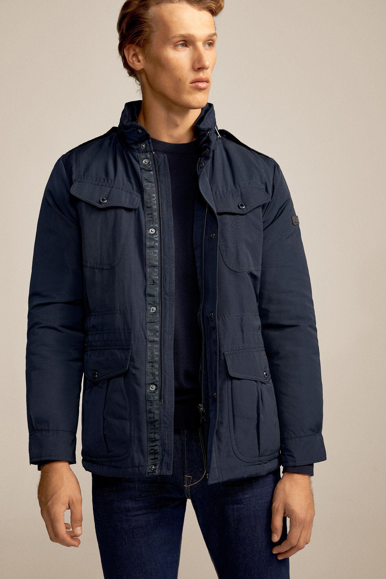ver chaquetas de caballeros en color azul marino americano