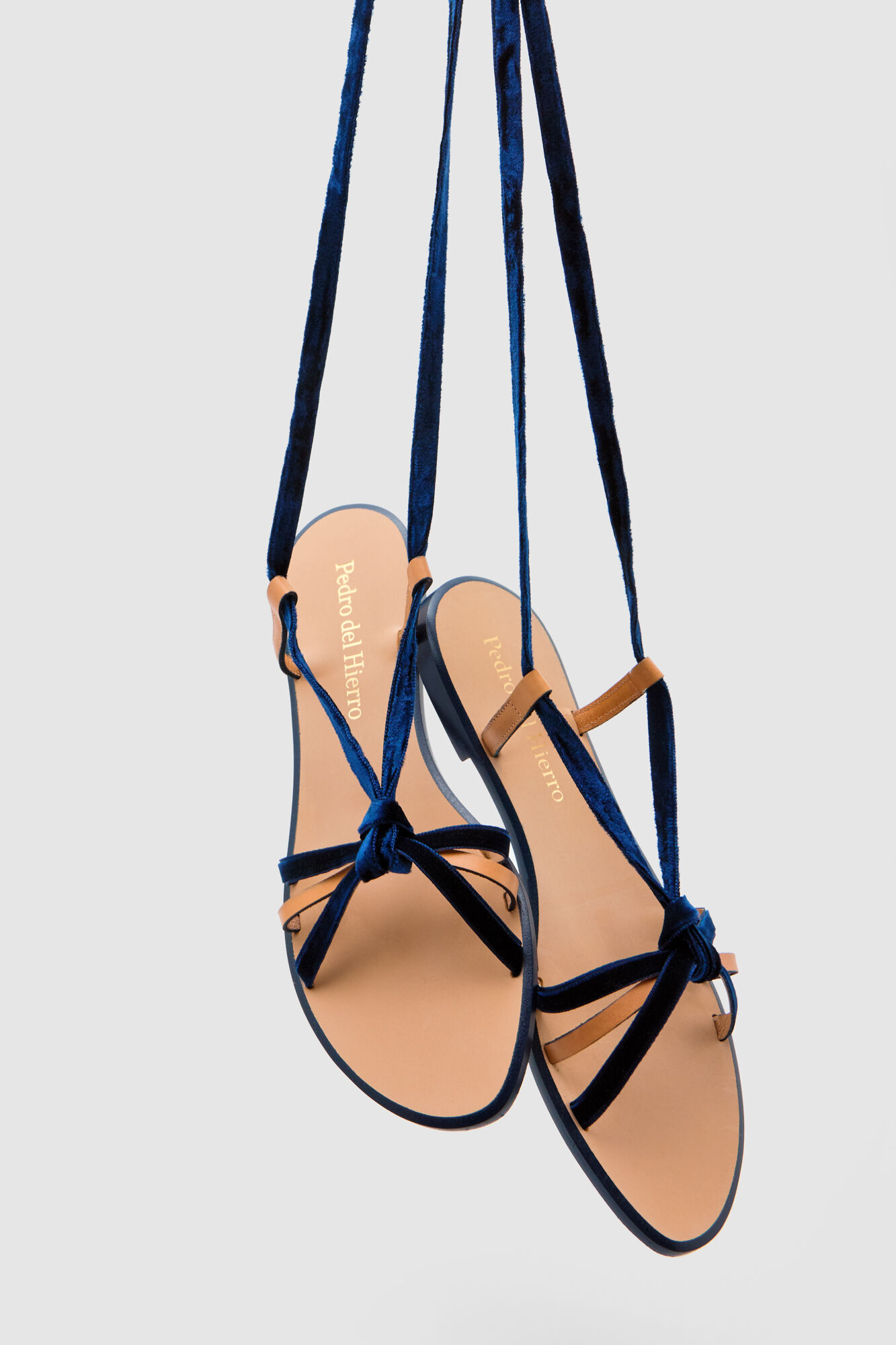 6153f97399ea7 Flat velvet tie-up sandals | Shoes | Pedro del Hierro Man & Woman
