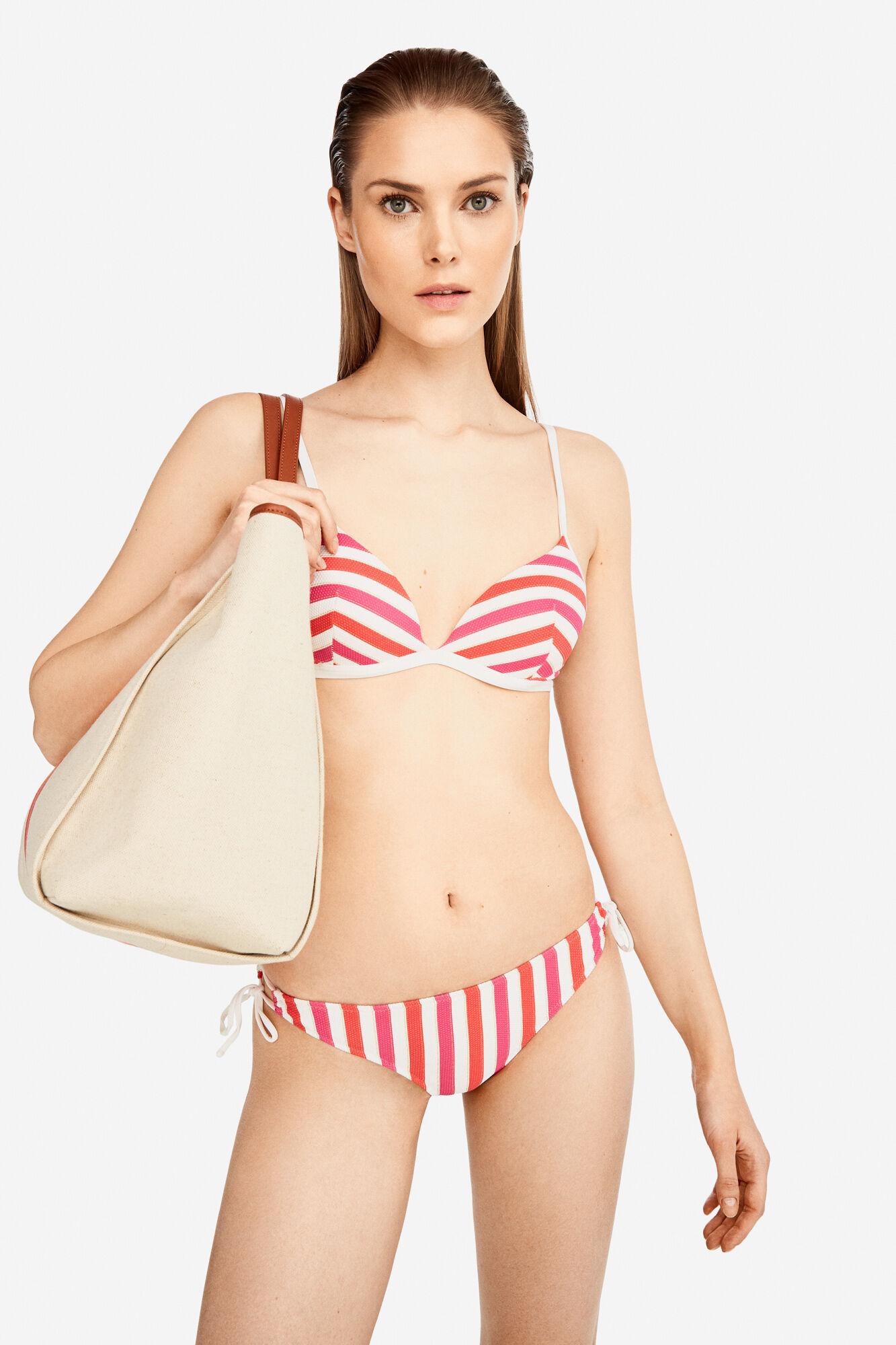 2124e00af370 Striped bikini