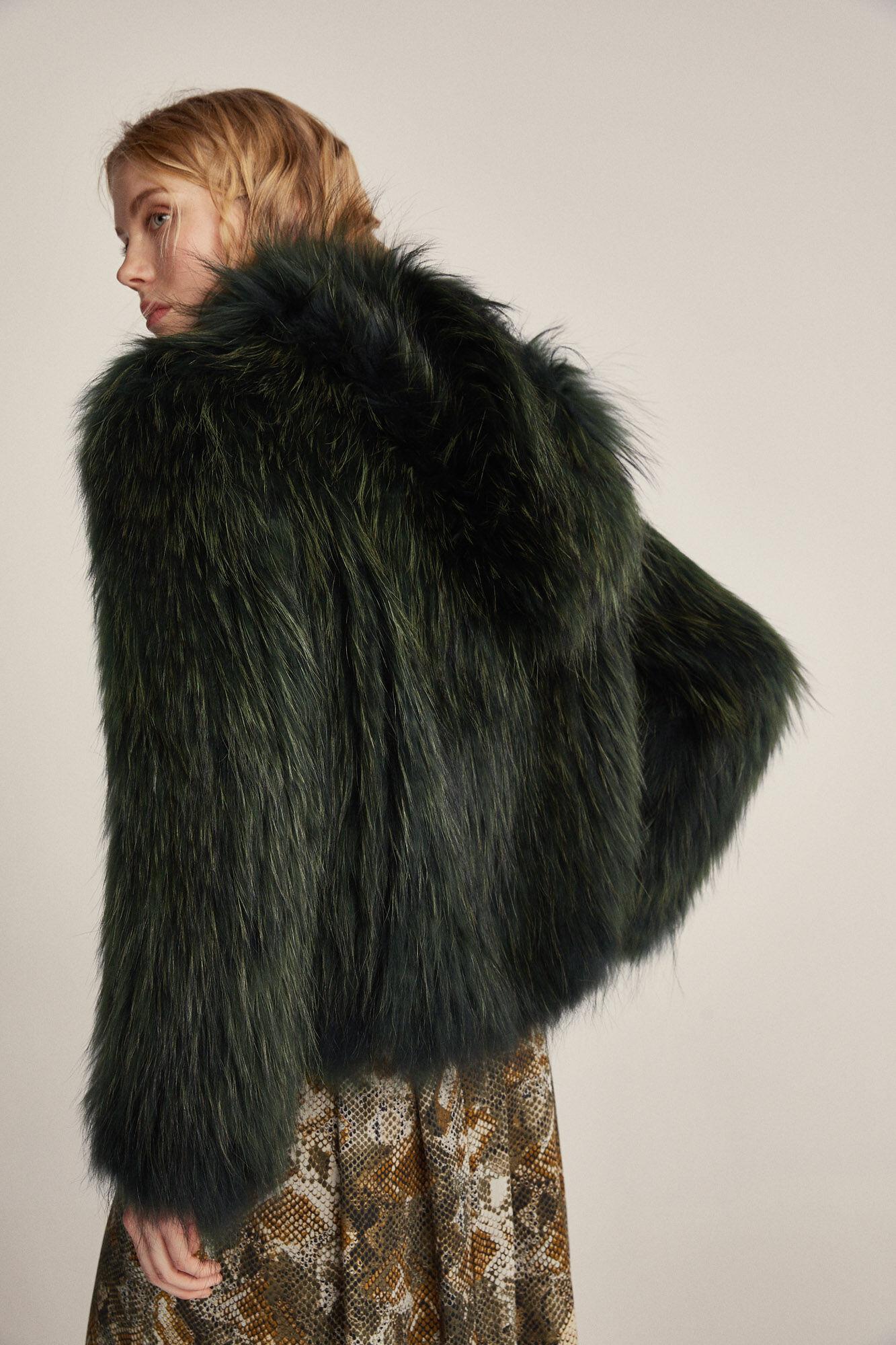 Casaco pele racoon com capuz | Sobretudos e casacos | Pedro del Hierro