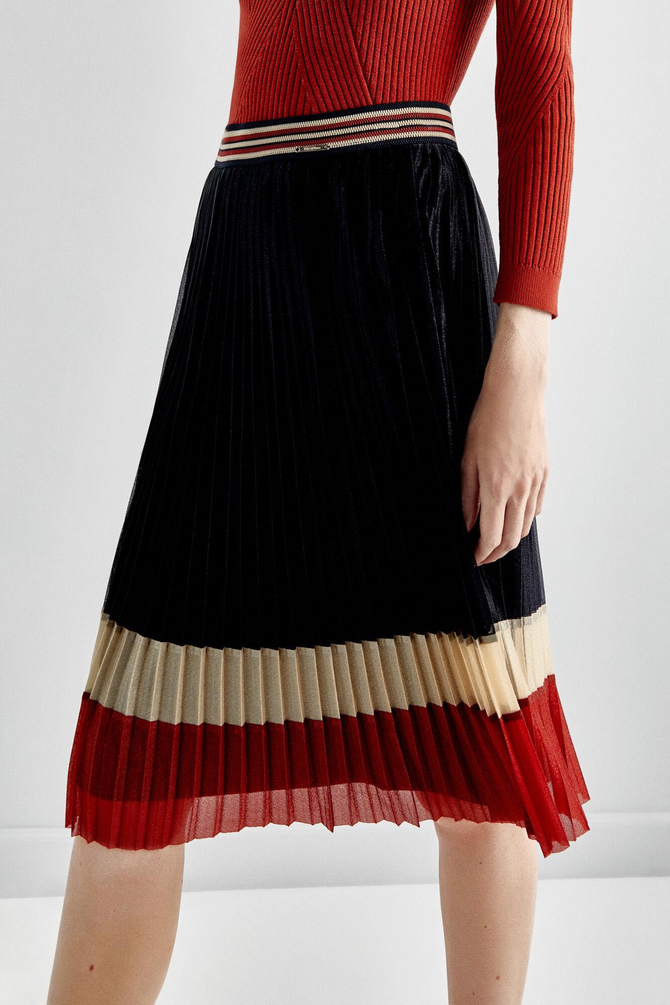 de2866963 Faldas Plisadas Pedro Del Hierro   Wig Elegance
