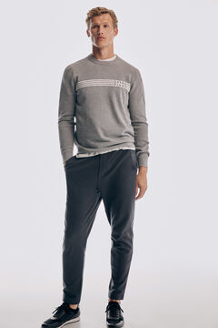 Set of box jersey, casual trousers and sneaker icon