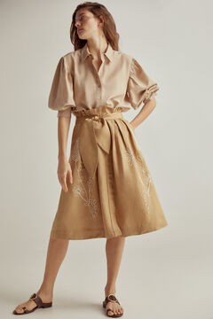 Set of shirt blouse with midi skirt and leather sandal