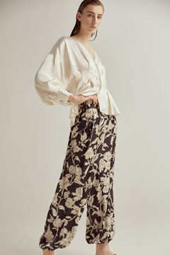 Set of neckline blouse and flowing pants