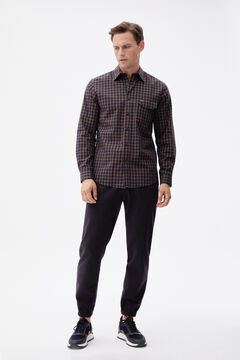 Check shirt, jogger trousers and leather sneakers set